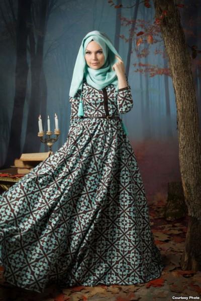 4cfc4b112c7 Наш интернет-магазин hurrems-tr.com специализируется на продаже восточной  мусульманской одежды для женщин оптом. Уже много лет мы стараемся наполнить  рынок ...